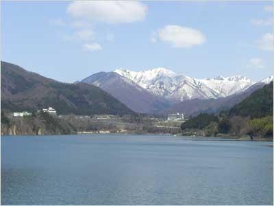 展望台から見る赤谷湖