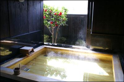椿の花 内風呂