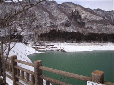 今朝の赤谷湖