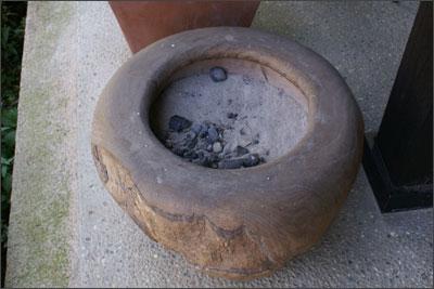 木鉢の灰皿