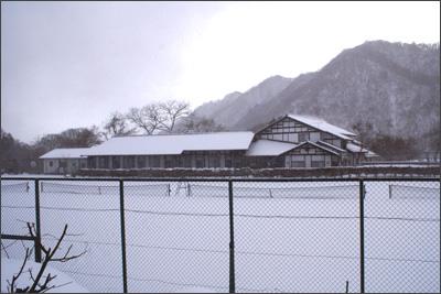 雪景色の万葉亭