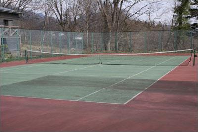 ロッジガルニのテニスコート
