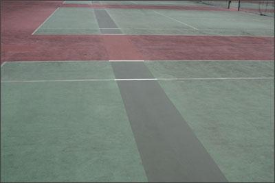 テニスコートの補修工事