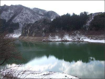 雪の赤谷湖